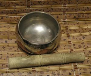 """Тибетская """"поющая чаша"""" (11 см)."""