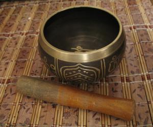 """Тибетская """"поющая чаша"""" (7,5 см)."""