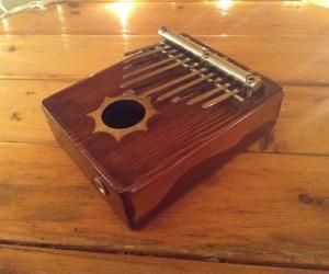 Калимба на 11 нот с полым резонатором